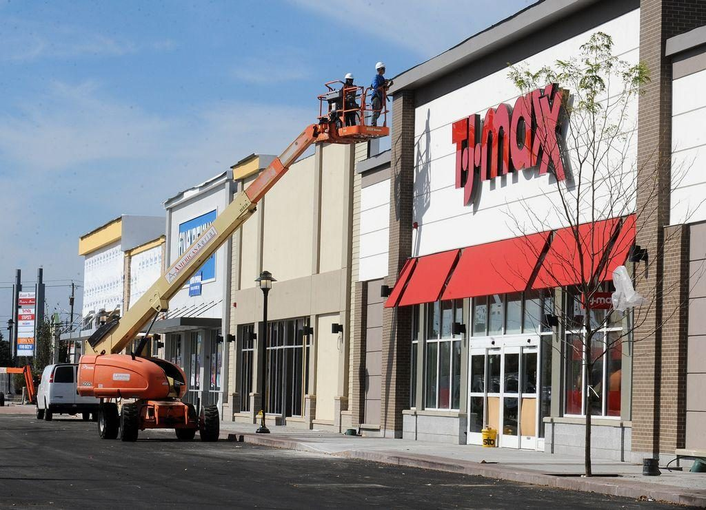Official opening date announced for T.J.Maxx at SouthCoast Marketplace